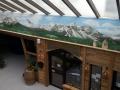 Wandbemalung mit Murmeltieren im Alpenpanorama