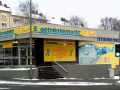 Bemalte Fassade mit Wasserflasche