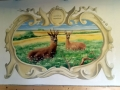 Wandmalerei mit Rehen auf der Wiese