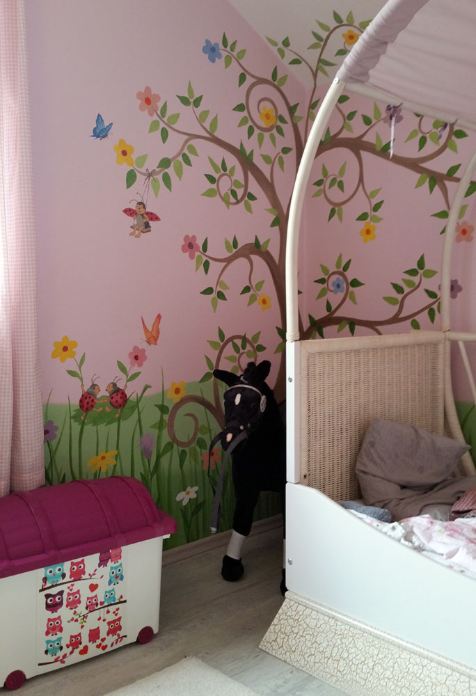 kinderzimmer malereien mit wunschmotiven f r ihre kleinen und gro en. Black Bedroom Furniture Sets. Home Design Ideas
