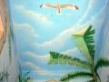 Deckenmalerei mit Möwen im Wolkenhimmel