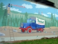 Fassadenbemalung mit Schriftenmalerei Alter LKW